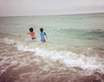 beach waves